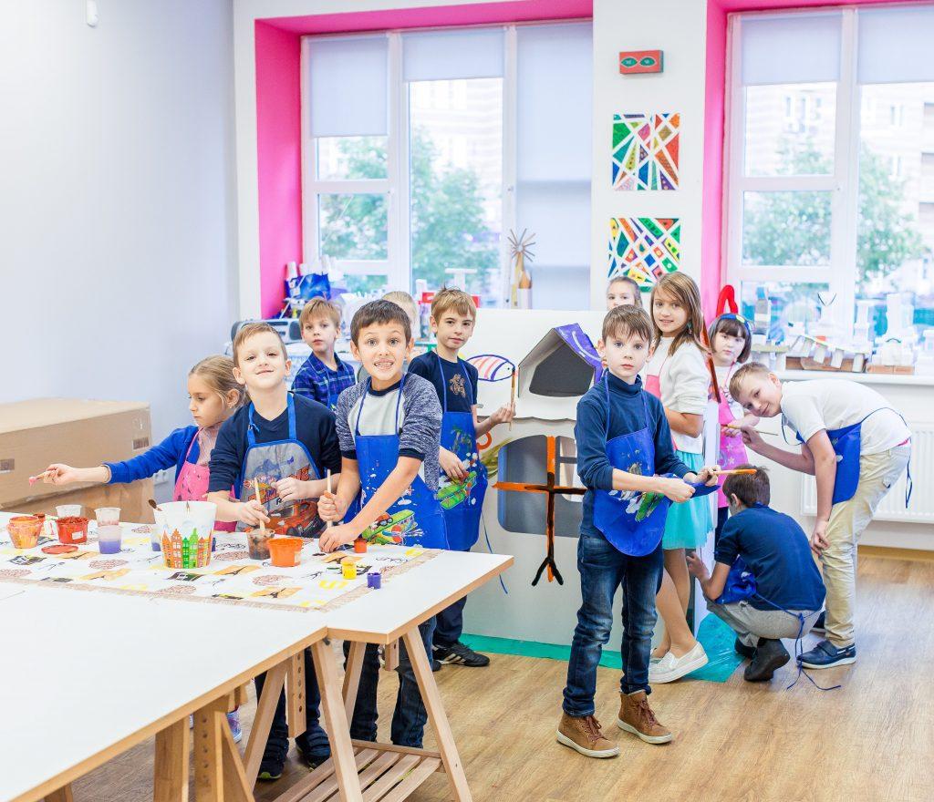 Каникулы и выходные с пользой: киевские школы с разными активностями для детей