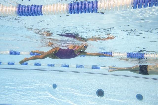 Вперше до басейну: екіпіровка для плавання