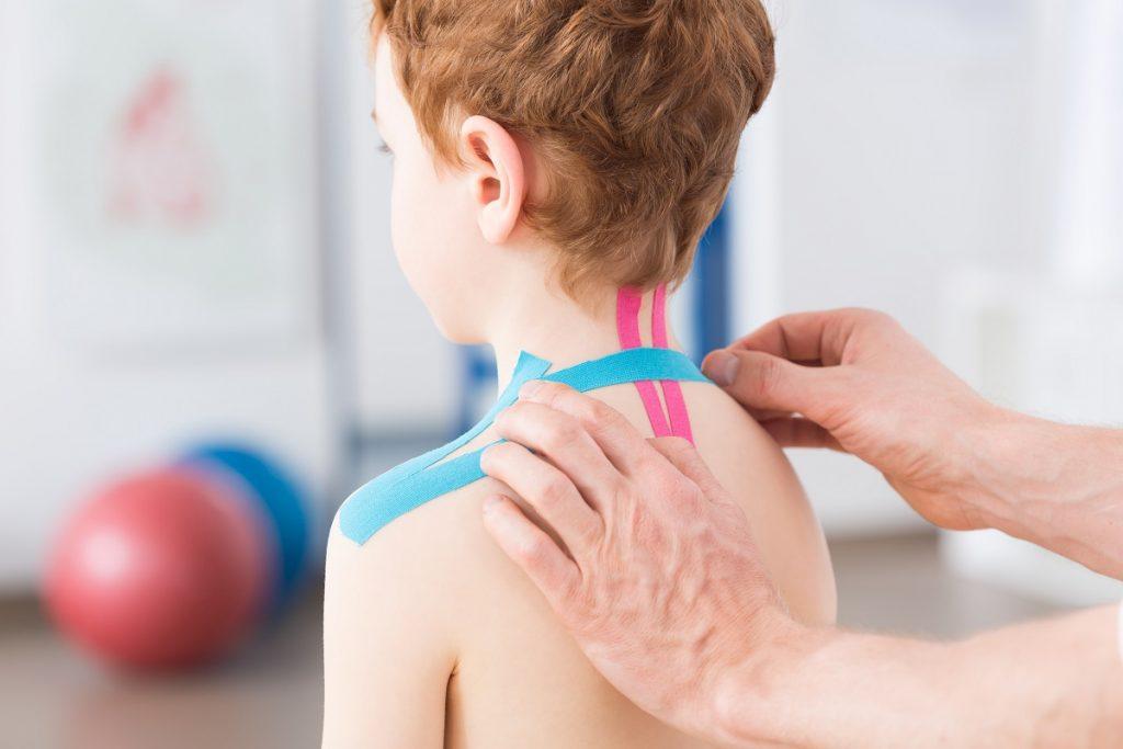 Подростковый остеохондроз: Как после школы остаться со здоровой спиной